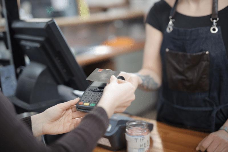 Kan-jag-hyra-eller-måste-man-köpa-en-kortterminal